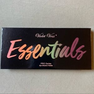 Essentials Violet Voss Eyeshadow Palette
